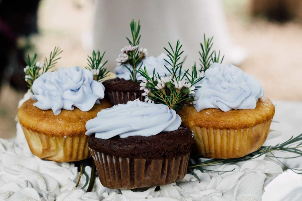 vow renewal ceremony cupcakes