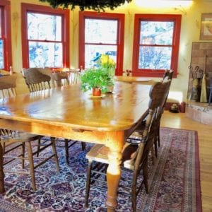 dining room at RiverSong